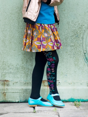 Embroidered Flowers tights